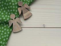 Деревянная предпосылка с ангелами Стоковое Фото