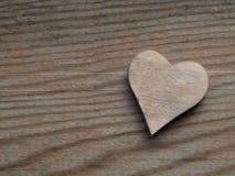 Деревянная предпосылка с сердцем Стоковые Изображения