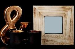 Деревянная рамка с украшениями стоковая фотография rf