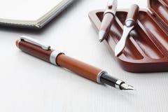 Деревянная ручка авторучки и ролика Стоковые Фотографии RF