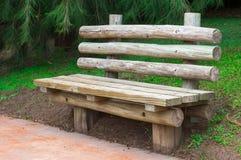 Деревянная скамья стоковое фото