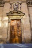 Деревянная старая итальянская дверь Стоковые Изображения RF