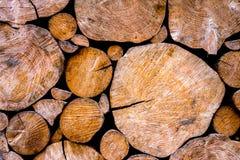 Деревянная стена журнала в сельской местности Стоковая Фотография RF