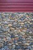 Деревянная стена и каменная стена отделывают поверхность с цементом Стоковое Фото
