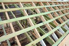 Деревянная структура здания Здание деревянной рамки Деревянная конструкция крыши фото для дома дом moscow города здания Стоковые Изображения RF