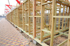Деревянная структура здания Конструкция толя Деревянная конструкция дома рамки крыши стоковое изображение rf