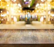 Деревянная таблица верхней части текстуры Стоковая Фотография RF