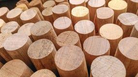 Деревянная текстура - в квадрате блока и предпосылке круга Стоковое фото RF