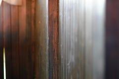 деревянная текстура в солнечном дневном времени lite стоковое фото rf