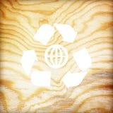 Деревянная текстура с рециркулирует символ Стоковая Фотография RF