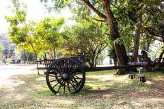 Деревянная тележка в черном музее дома Стоковые Фото