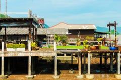 Деревянная улица в старом городке, Koh Lanta, Krabi, Таиланде Стоковое Изображение RF