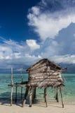 Деревянная хата пляжем стоковое изображение rf
