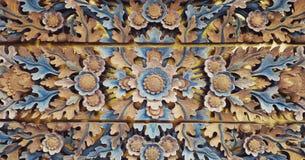 Деревянное высекаенное украшение стоковое фото