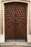 деревянное дверей историческое Стоковая Фотография