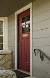 деревянное двери переднее Стоковая Фотография