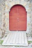 деревянное двери старое красное стоковая фотография rf
