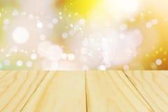 Деревянное излишек запачканное красивое с предпосылкой bokeh стоковые изображения rf