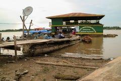 Деревянное каное в речном порте Стоковая Фотография