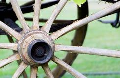 Деревянное колесо экипажа Стоковое фото RF