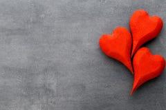 Деревянное сформированное сердце Поздравительные открытки Приветствие дня Валентайн Стоковые Изображения
