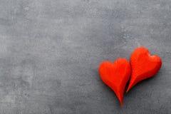 Деревянное сформированное сердце Поздравительные открытки Приветствие дня Валентайн Стоковое Изображение RF