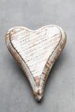 Деревянное сформированное сердце Поздравительные открытки Приветствие дня Валентайн Стоковое Изображение