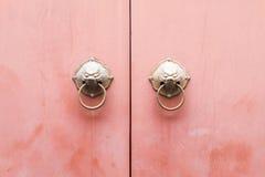 Деревянное украшение доски предпосылки замка сережки двери стоковые изображения rf