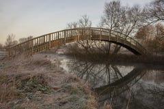 Деревянное Footbrige над рекой Темзой Стоковое Изображение