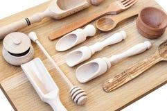 Деревянное isolatet утварей кухни на белизне Стоковые Фотографии RF