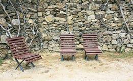 3 деревянной скамьи на парке Стоковое Фото