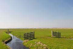 Деревянно обнести забором ландшафт стоковая фотография rf