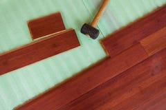 Деревянные бамбуковые будучи положенным планки настила твёрдой древесины Стоковая Фотография RF