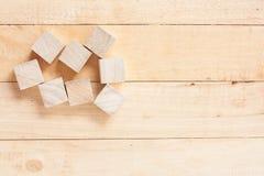 Деревянные блоки игрушки на деревянном столе Стоковое Фото
