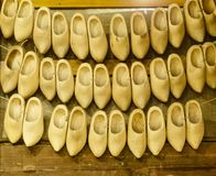 Деревянные ботинки, Clogs, typican голландские ботинки, Амстердам, Нидерланды Стоковые Фотографии RF