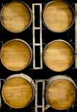 Деревянные бочонки вина или вискиа стоковые изображения rf