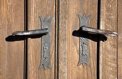 Деревянные дверь и ручка Стоковое Изображение