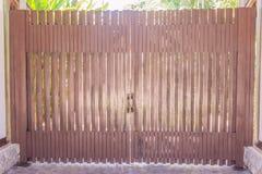 Деревянные въездные ворота Стоковая Фотография RF