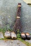 Деревянные голландские ботинки, традиционная обувь clogs Стоковые Изображения RF