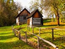 Деревянные дома музея людей Vesely Kopec Чехословакская сельская архитектура Vysocina, чехия Стоковое фото RF