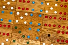 Деревянные домино и номера стоковое фото rf