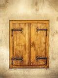 Деревянные закрытые штарки окна Стоковые Изображения RF
