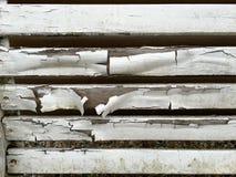 Деревянные и выдержанные планки с старой белой краской Стоковые Изображения