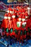 Деревянные куклы pinocchio с его длинным носом Стоковое Изображение