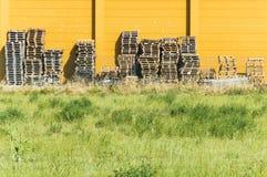 Деревянные кучи паллетов Стоковые Фото
