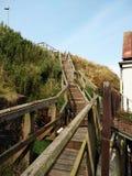 Деревянные лестницы к верхнему холму Стоковое Изображение RF