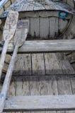 Деревянные маленькая лодка и затворы Стоковая Фотография RF