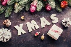 Деревянные письма: Подарок XMAS и рождества стоковые фотографии rf