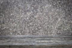 Деревянные планки при абстрактная предпосылка, запачканная мраморной стены для предпосылки Стоковые Изображения