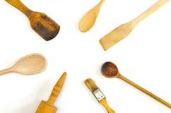 Деревянные радиально аранжированные утвари кухни стоковое изображение rf